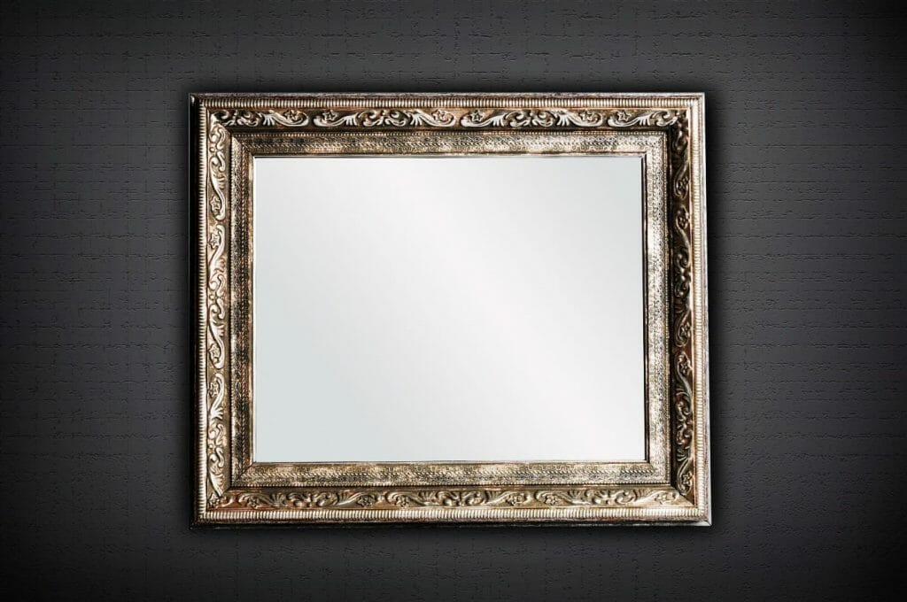 An Insight into Cleaning Mirrors